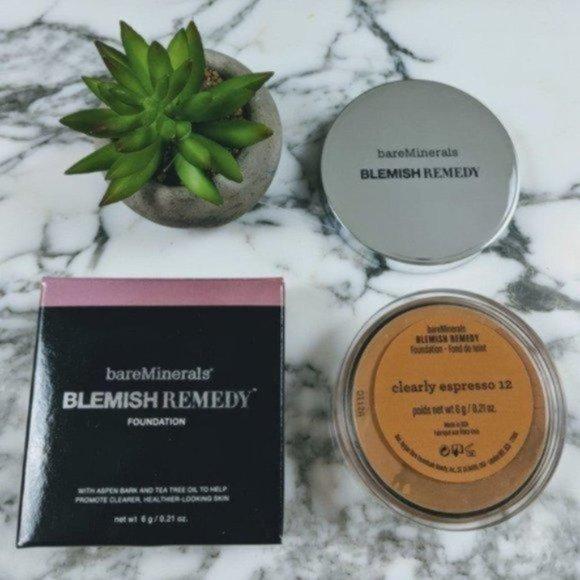 Sold BareMinerals Blemish Remedy Foundation